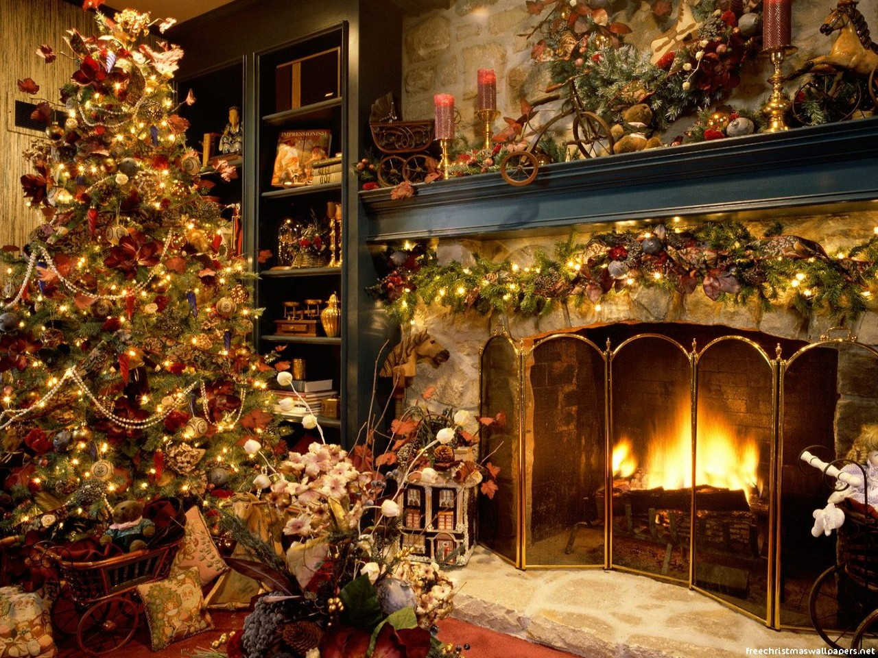 Christmas Tree And Fireplace 1280x960 Wallpaper Free