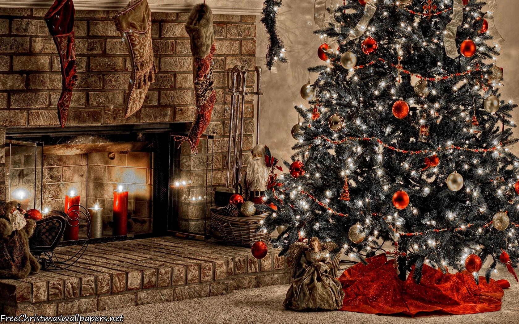 warm christmas fireplace 1680x1050 - wallpaper
