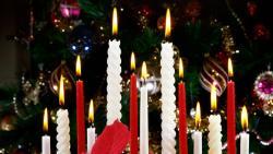Christmas Candles - FreeChristmasWallpapers.net